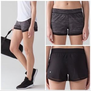 """Lululemon Two With One Short (Reversible 3"""")"""